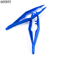 OOTDTY Plastic tweezers hook clip for small red scorpion squid light portable fishing tool accessories