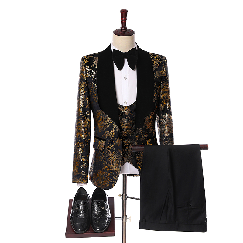 Wedding Men Suits 2019 New Designs Gentleman Velvet Lapel Slim Fit Black Gold Flower Party Groom Tuxedo For Men 3 Pieces Suit