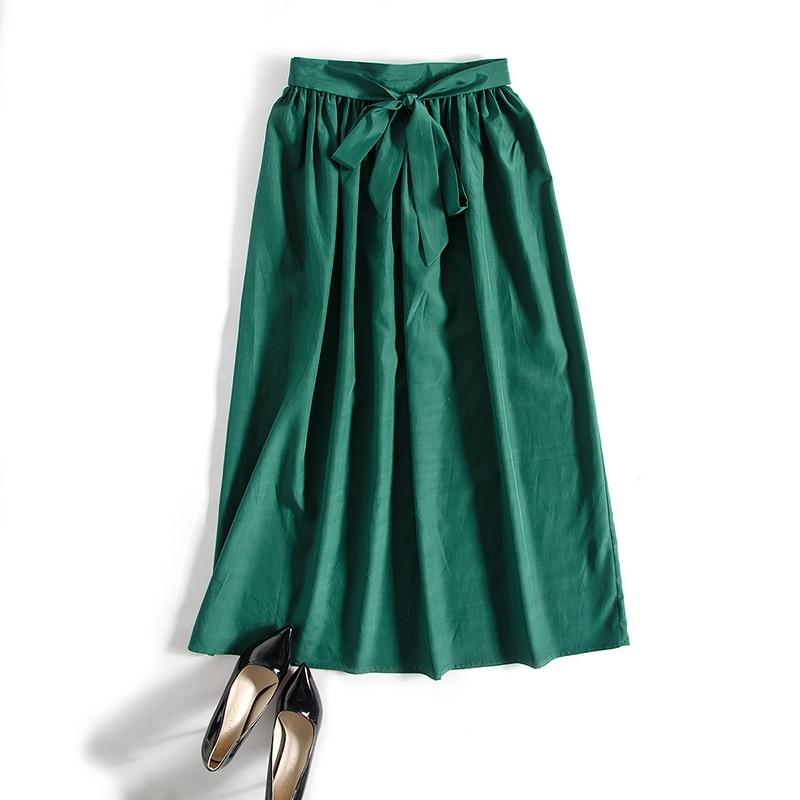 Женщины а шелковых юбках