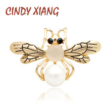 CINDY XIANG New Arrival Pearl Bee Broochs For Women Cute Small Insect Pin Gold Color Honeybee Brooch Fashion Summer T-shirt