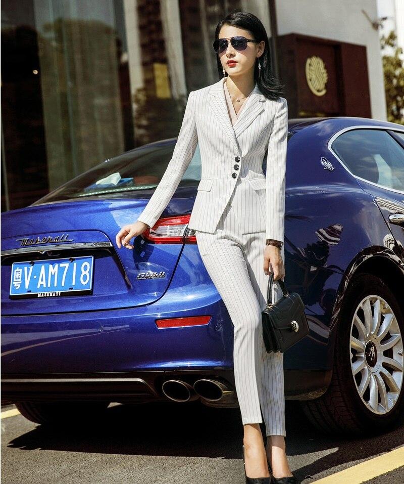Ufficio E Striped A Ol Stili Vestiti Pantaloni Giacche Righe Dei Donne Di  Signore Striped Elegante Con Moda White black navy Blue Affari Delle  Giubbotti ... 26f675a3826