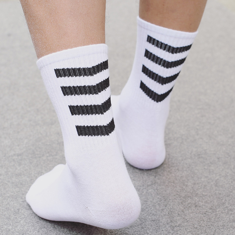 2018 Mens Fashion Brand Socks Oblique Stripes Awesome White Skateboard Fixed Gear Calcetines Fashion Hip Hop Socks Men's Socks
