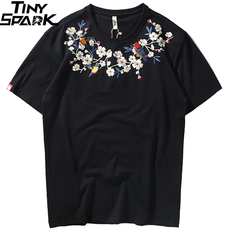 2019 Japanese   T     Shirt   Flower Embroidery Streetwear Tshirt Men Harajuku Floral   T  -  shirt   Hip Hop Summer Short Sleeve Cotton Top Tee