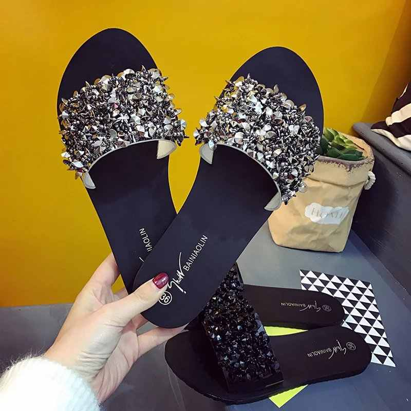 2018 Brand Summer Shoes Woman Rivet Glitter Designer Platform Sandals Women Bling Bling Flip Flops Black/Silver Beach Slippers