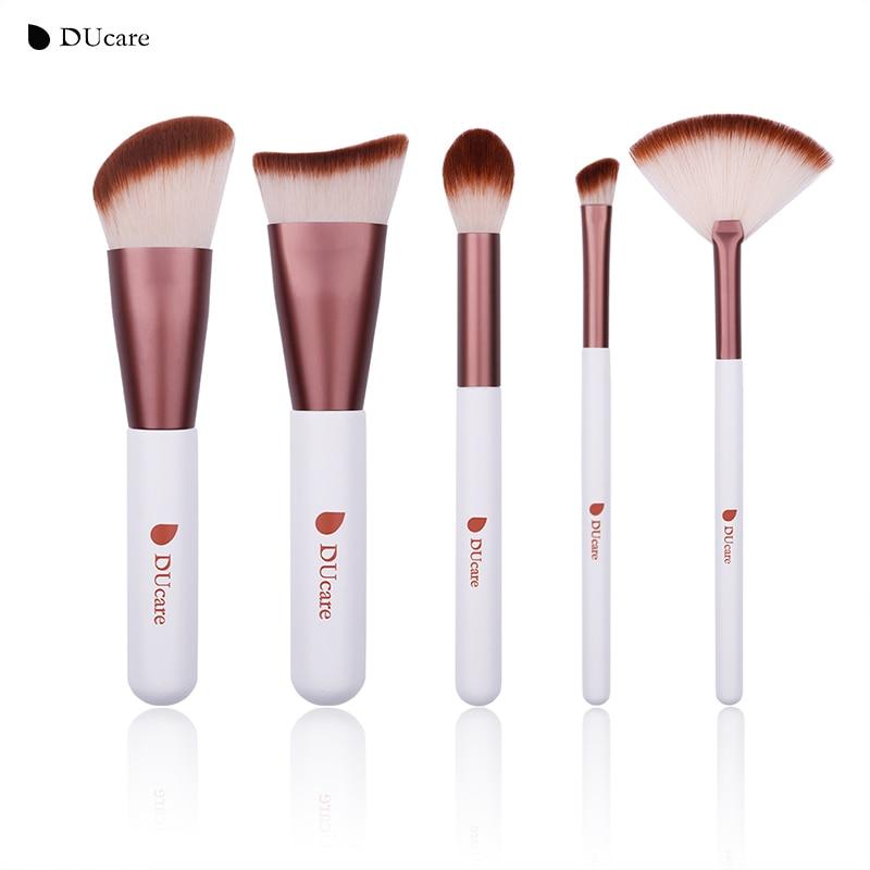 DUcare 5 piezas, juego de brochas de maquillaje contorno destacar de sombra de ojos cepillo del ventilador pinceles de maquillaje cosmético portátil Kit de herramientas