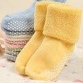 0-3 anos de idade do bebê do algodão meias Outono e inverno meias grossas terry meias bebê cor sólida socksaTWS0018