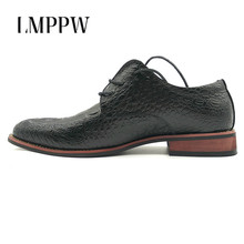 Fashion Retro Crocodile Pattern Men's Shoes Leather Casual Oxford Shoes Luxury Brand Men Dress Flats Oxfords Gold Black Red 2A brand crocodile pattern shoes oxfords 100