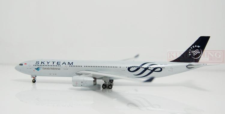 Phoenix 10909 A330-300 PK-GPF Indonesia Airlines SkyTeam No. 1:400 commercial jetliners plane model hobby phoenix 11006 asian aviation hs xta a330 300 thailand 1 400 commercial jetliners plane model hobby