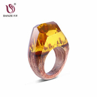Danze Unique Design Jewelry Yellow Resin Wood Rings Vintage Handmade Natural Scenery Ring For Women Girl