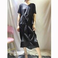 Irregular Design V collar Short Sleeve Mid long Loose Westernized Dresses Euro Station 2019 ISSEY pleats dress free shipping