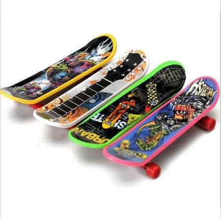 Hot Sale 1PC Kids Children Mini Finger Board Fingerboard Skate Boarding Toys Children Gifts Party Favor Toy