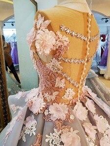 Image 4 - Свадебное платье из тюля дымчато серого цвета с кружевными цветами и шлейфом, иллюзионный лиф, кружевные аппликации с открытыми плечами 2017