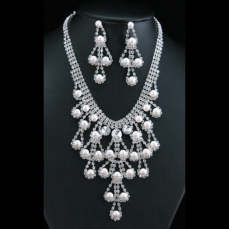 Bridal wedding party drag queen crystal simulated pearl for Bride kitchen queen set