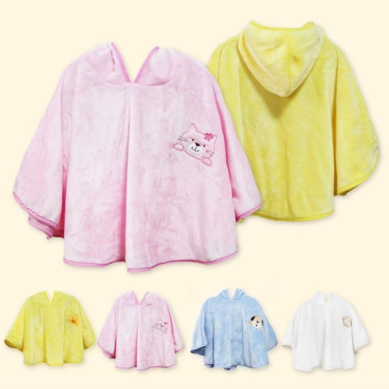 Aukštos kokybės 1-6 metų amžiaus vaikų vonios rankšluosčių rūbų apvalkalo šiltas sugeriamojo vandens minkštas flanelinis kūdikių chalatas
