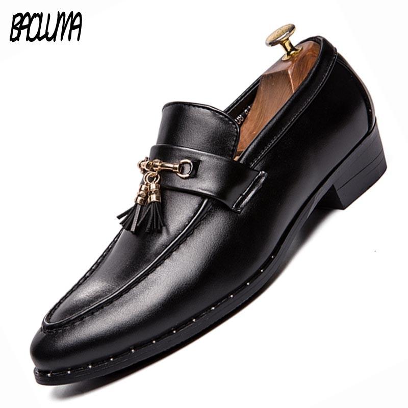 Men Oxfords Brand Pointed Formal Oxfords Men Wedding Moccasins Shoes Tassel Rivet Men Flats Leather Brogue Business Casual Party