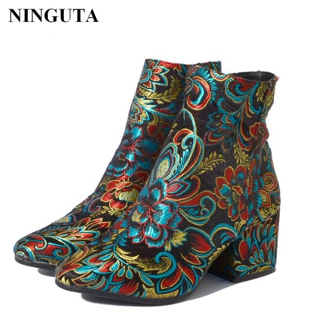 Ninguta вышивать ботильоны Женская обувь на высоком каблуке для весенне-осенняя модная обувь женщина 3 вида стилей