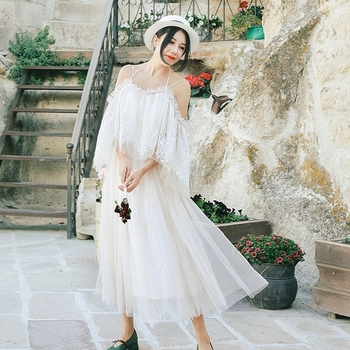 New Arrival Summer 2018 Vintage Spaghetti Straps Off The Shoulder Long Lace Dress