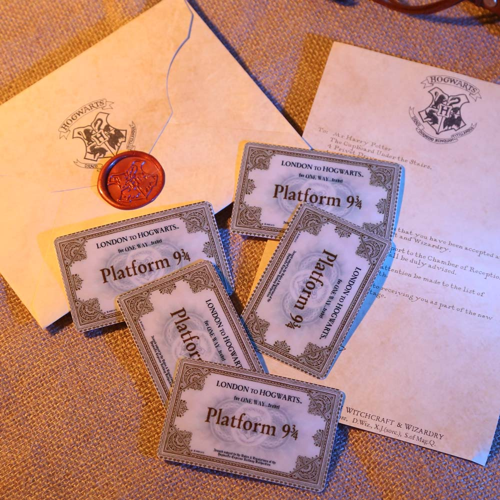 Harry Potter Hogwarst Acceptance Letter Package 4 pieces suit of Harri Potter Customization Fans Collection Gift Cosplay Props