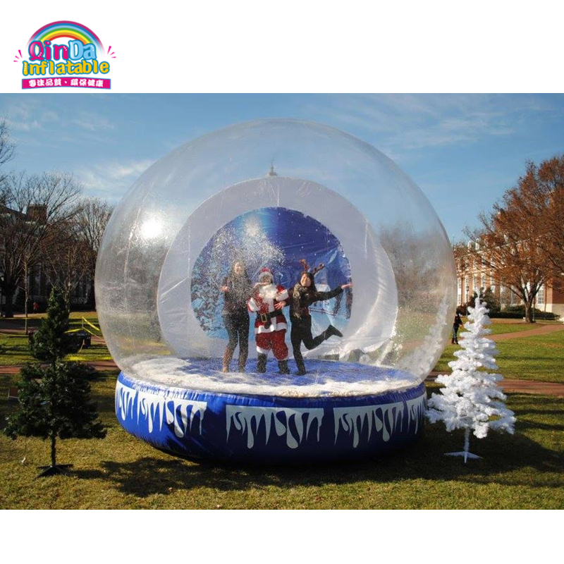 Boule gonflable de boule de neige gonflable de noël de cabine de photo de diamètre de 10ft exploser des ballons de neige de boule de neige à vendre