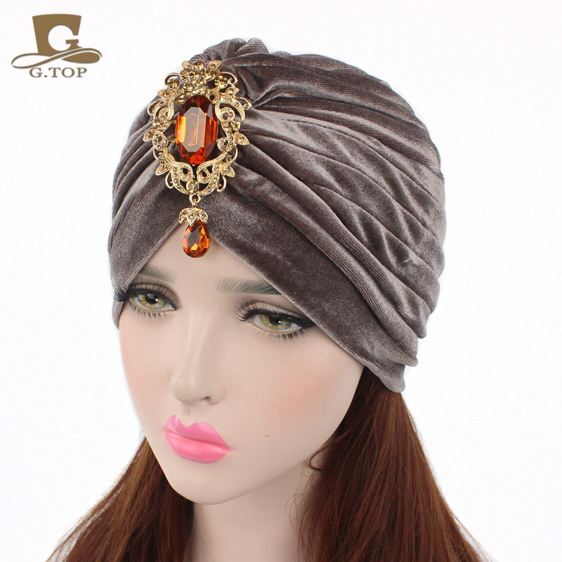 Novo lindo macio veludo turbante capa de cabelo headwrap hijab chapéu com pingente de jóias de ouro