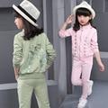 Малыш спортивная одежда девушки осень устанавливает детей спортивный костюм Девушки Одежду Устанавливает Velvet Спортивные Костюмы девушка Куртка Брюки Набор YL261