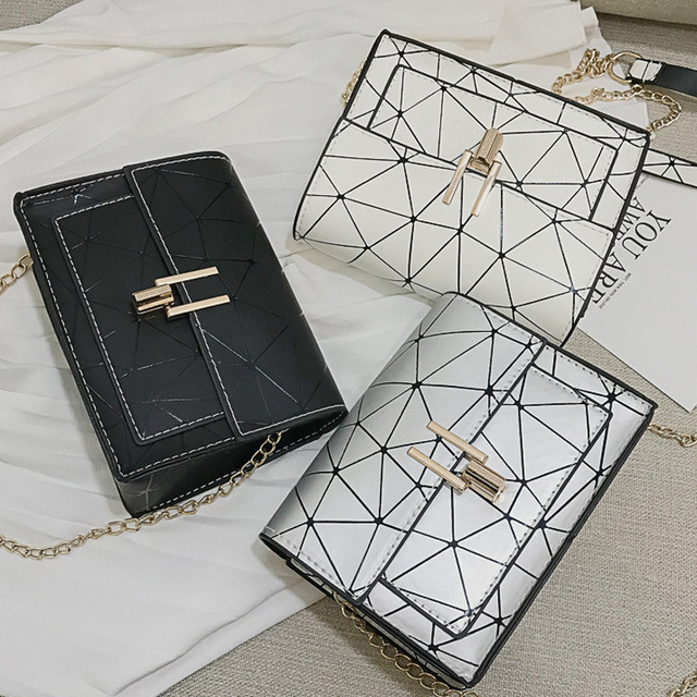 Women Shoulder Bags 2019 summer new Korean version of the Messenger bag handbag chain wild crack printing wild shoulder bag 1