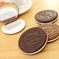 1 PCS Portátil Biscoito Bonito Chocolate Forma de Maquiagem Espelho + Pente Senhora Mulheres Ferramenta de Maquiagem Espelho de Bolso Home Office uso