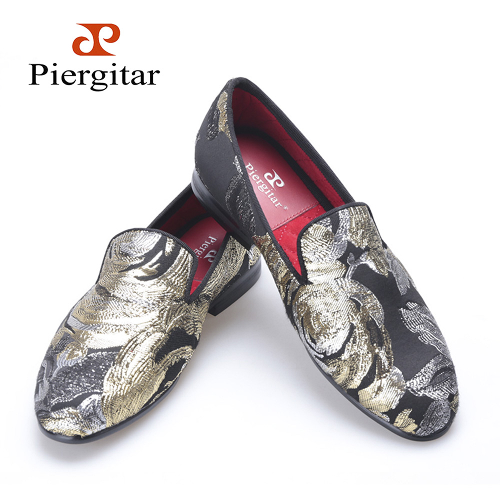 PIERGITAR new retro look Woman embroidered  flowers shoes  jacquard cloth woman flats woman loafers  dress shoes  free shipping vintage embroidery women flats chinese floral canvas embroidered shoes national old beijing cloth single dance soft flats