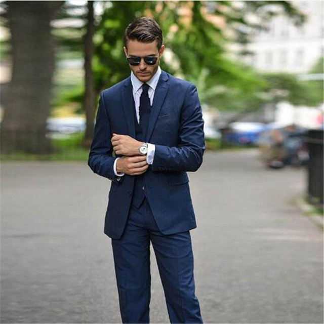 cde7cd725ae Bleu foncé Hommes Costume Pour Le Mariage Slim Fit 3 Pièce Formelle Smoking  Personnalisé Marié De