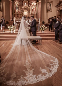 Image 1 - جديد 4 متر طبقة واحدة الدانتيل تول طرحة زفاف طويلة جديد أبيض العاج 4 متر الحجاب الزفاف مع مشط فيلوس دي نوفيا 400 سنتيمتر