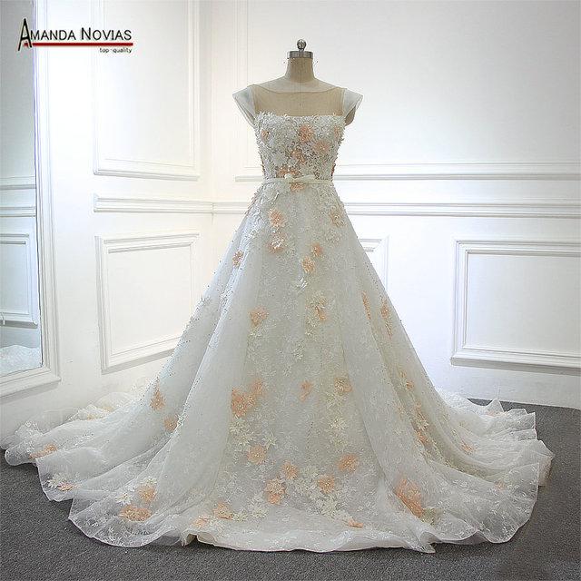 Erstaunlicher Elfenbein Mit Rosa Blumen Perlen Lange Zug Brautkleid ...