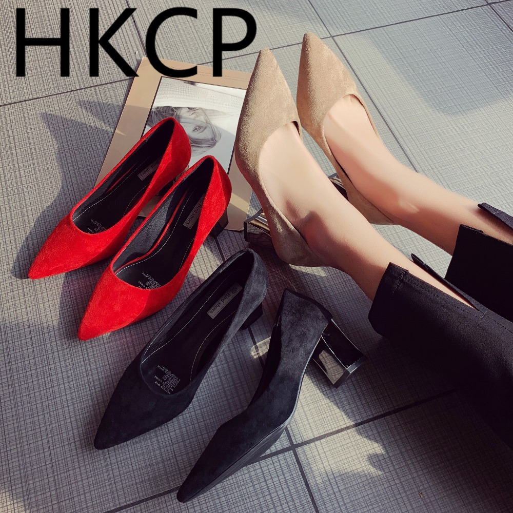 HKCP The new Korean version for fall 2019 will go with a pointed, low-cut suede top and a pair of chunky pumps for women C107