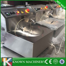 High efficiency 8kg chocolate warmer chocolate melting pot/chocolate moulding machine