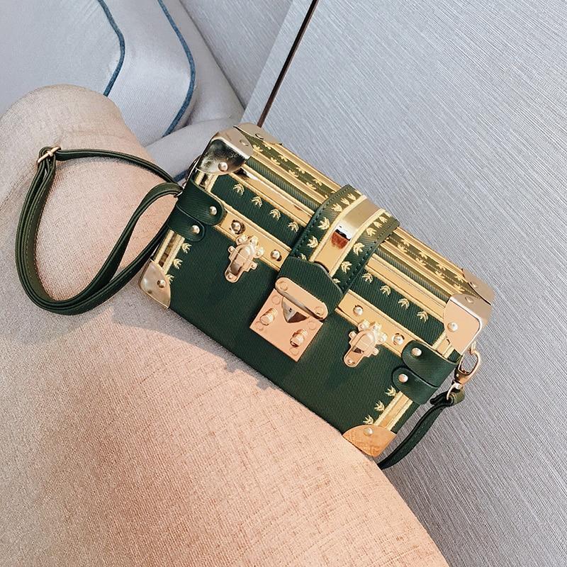 3 couleur Super luxe marque embrayages femmes Sac à main sacs à bandoulière en métal Rivet célèbre conception boîte Sac à main femmes sacs à bandoulière Sac-in Sacs à bandoulière from Baggages et sacs    3