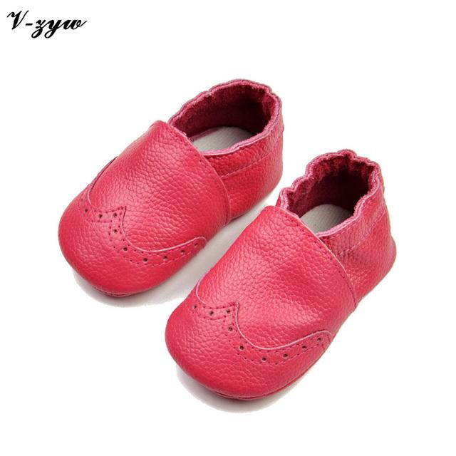 2016 Venta Caliente Primeros Caminante Primavera Otoño Transpirable Zapatos de Bebé de Cuero Suaves Botas Para Caminar Los Bebés Varones Zapatos Zapatillas GZ036