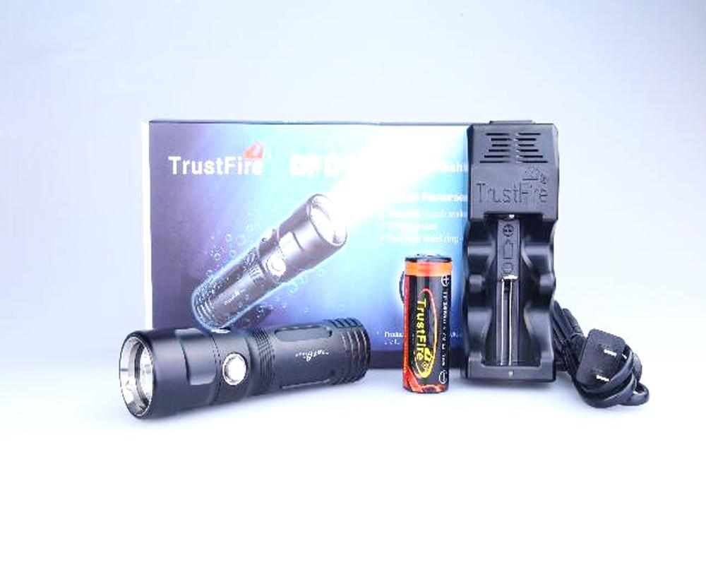 ФОТО TrustFire DF-011 CREE XP-L V6 800 Lumens 3-Mode LED Diving Flashlight+1x 26650 Battery+1x TR-005 Charger