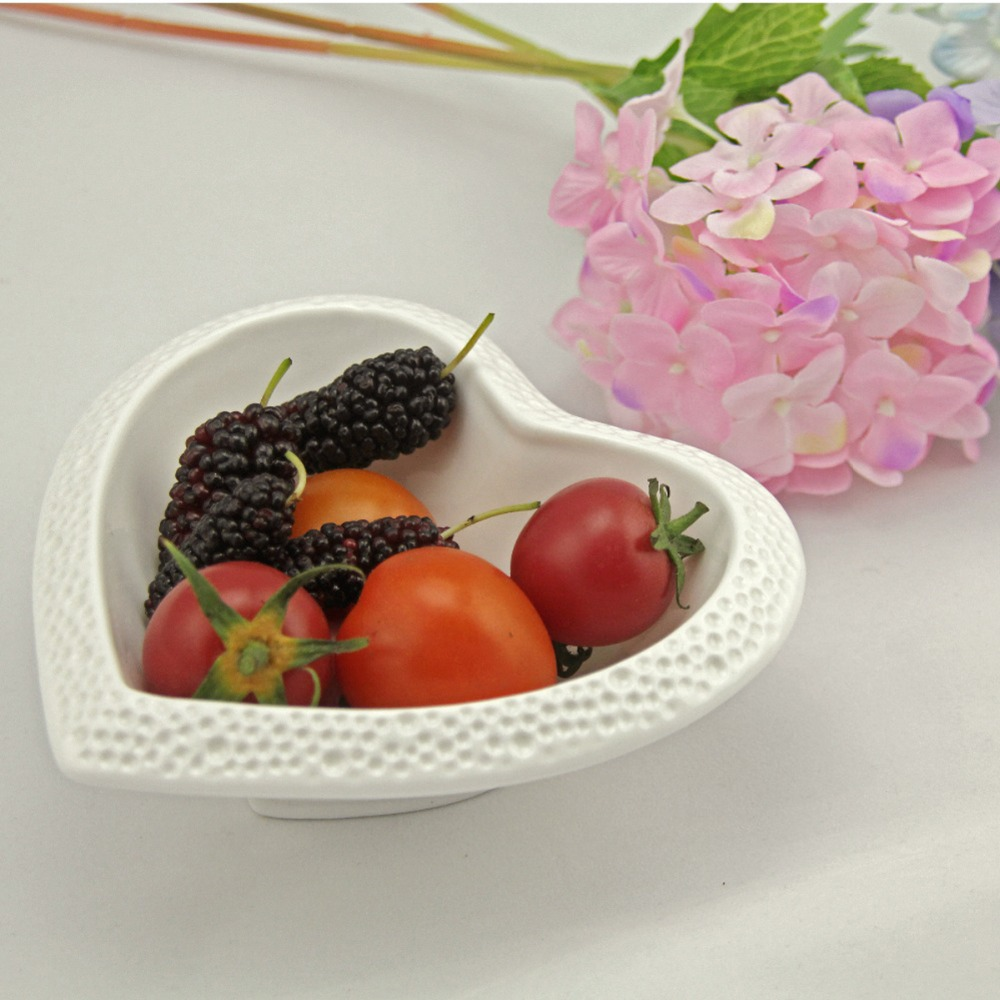 1Pcs KEYAMA New white heart shaped embossed ceramic font b salad b font bowls Dinner seasoning