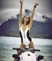 Faerdasi 2018 One Piece Swimsuit Sexy Solid Swimwear Women Bathing Suit Swim Vintage Halter Beach Wear