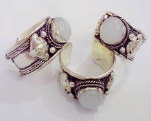 Retro Style Tibet Silver Carved Flower Lace inlay White Moonstone Bead Ring 10pcs/Lot Adjustable Unisex Party Gift