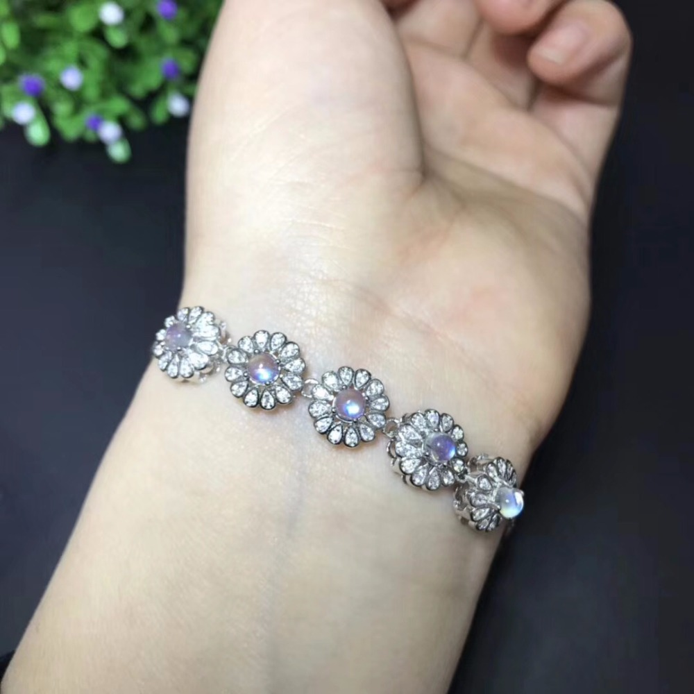 Natural blue moonstone bracelet, simple and exquisite, 925 silver, natural gemstones, beautiful and clean colorsNatural blue moonstone bracelet, simple and exquisite, 925 silver, natural gemstones, beautiful and clean colors
