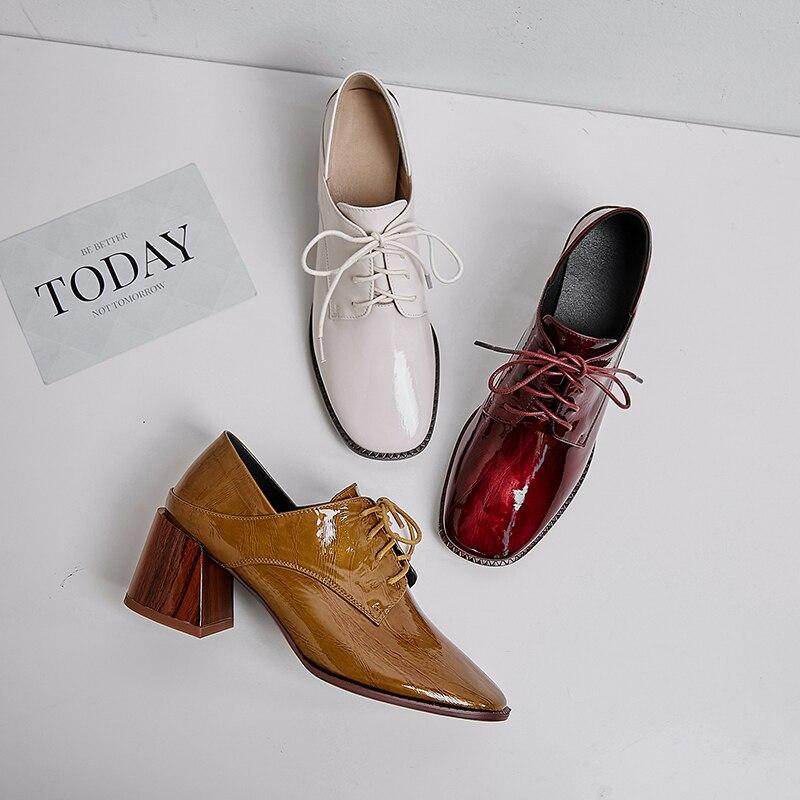 ZVQ แฟชั่นรองเท้าแต่งงานสีขาวสีแดงสีเหลือง cow สิทธิบัตรหนังฤดูใบไม้ผลิปั๊มสำนักงานรองเท้าส้นสูงรองเท้าผู้หญิง drop การจัดส่ง-ใน รองเท้าส้นสูงสตรี จาก รองเท้า บน   2
