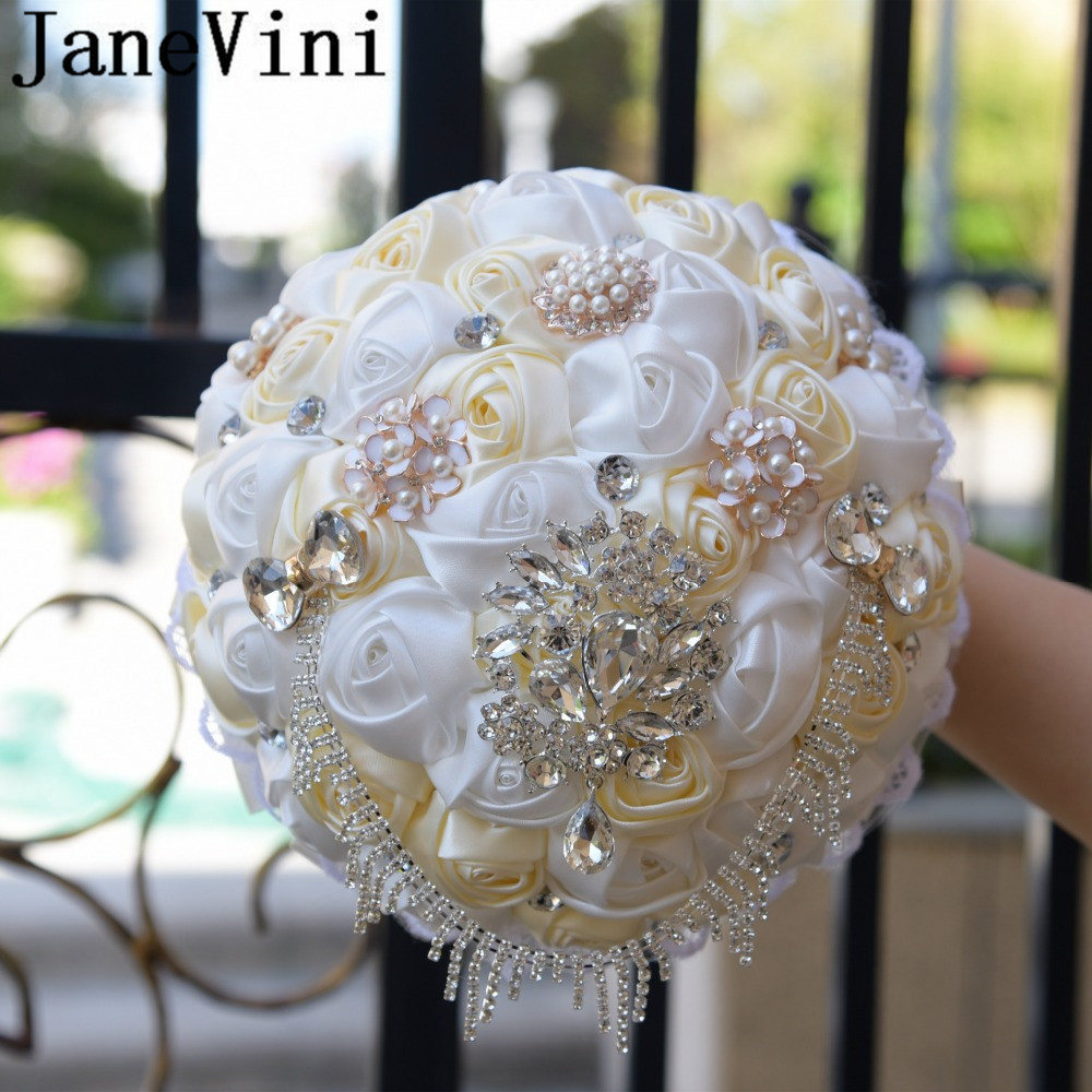 Купить с кэшбэком JaneVini Flores Boda Royal Blue Wedding Bridal Bouquet Luxury Crystal Beaded Bride Flower Bouquet Sposa Rhinestones Satin Brooch