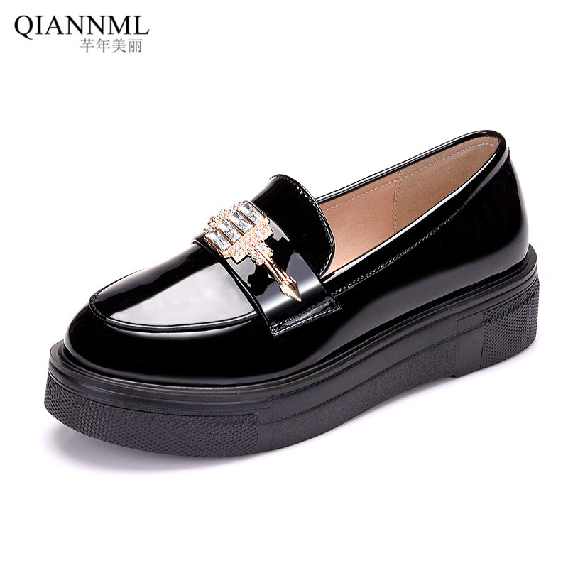British Style 2021 Platform Shoes Women Patent Leather Loafers Rhinestone Flat Shoes Women Office Flats