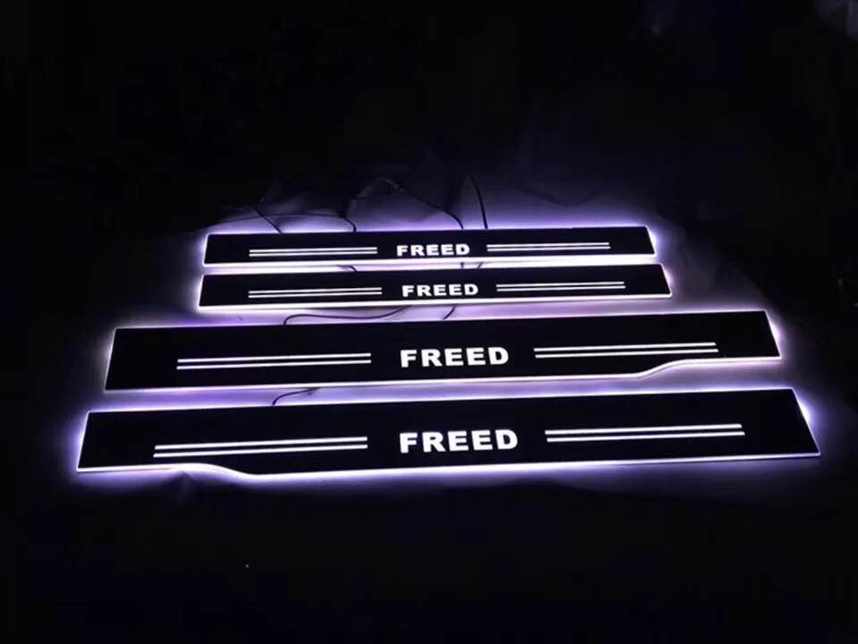 EOsuns Led Moving Light Scuff Pedal For Honda Freed Daynamic Door Sill Welcome Pedal Mouldings Pedal