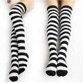 Meias cosplay preto e branco meias listradas joelho Lolita empregada meias listrado vermelho e preto meias