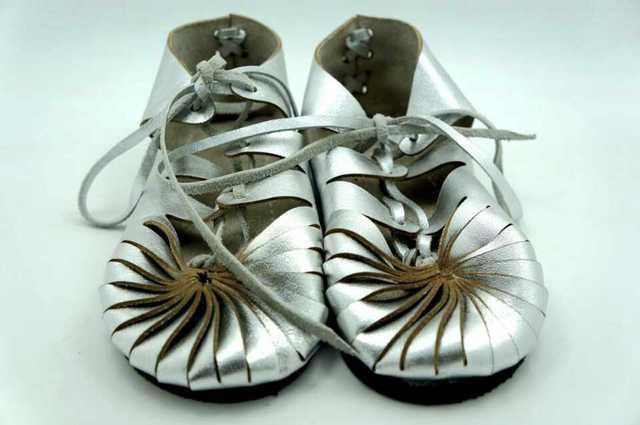 Comercio al por mayor 10 par/lote del verano Mocasines de Cuero Genuino zapatos de bebé hechos a mano Del Bebé Primer Caminante Bebe recién nacido zapatos antideslizantes