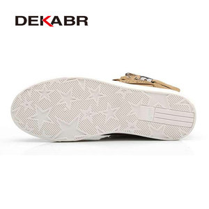 Image 4 - Dekabr 2021ホット男性靴ファッション暖かい毛皮冬男性ブーツ秋革の靴男new高トップキャンバスカジュアルシューズ男性