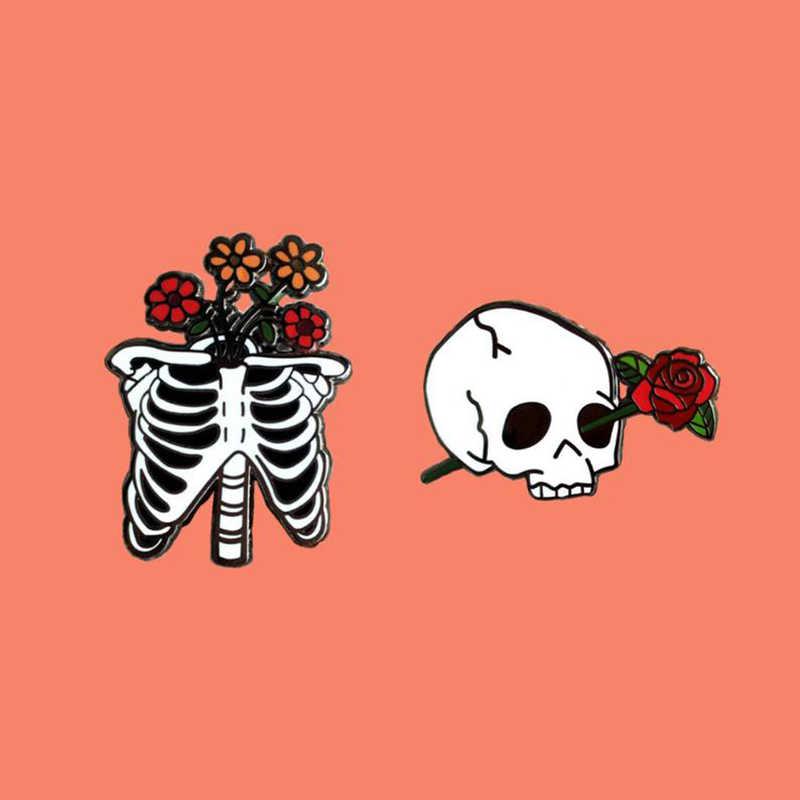 Goth Romance Rose Del Fiore di Scheletro Smalto Spille Amore Coppia di Scheletro Dei Monili Spille Punk Distintivi e Simboli Unisex Goth Dello Smalto Scuro Spilli