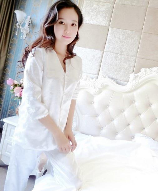 Fashion Women Pajamas Pyjamas Pijamas Plus Size Nightgown Silk Satin Night Gown Sexy Lace Sleepwear Nightdress N906