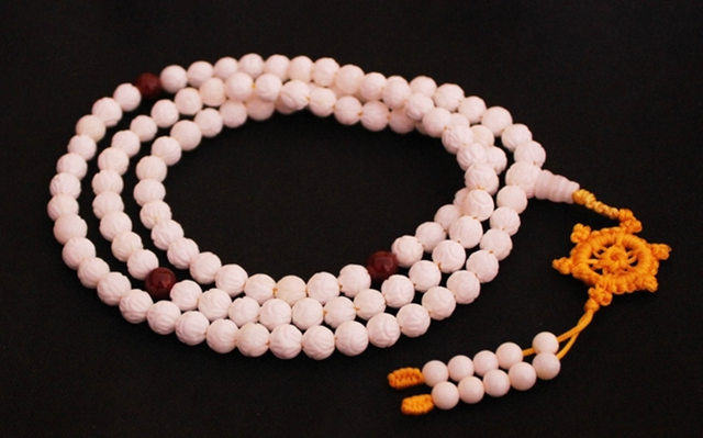 BRO839 Tibetan 108 Holly Lotus Prayer Beads Meditation Malas White Conch Shell Necklace with Kingkong Wheel Tassel Free ShippingBRO839 Tibetan 108 Holly Lotus Prayer Beads Meditation Malas White Conch Shell Necklace with Kingkong Wheel Tassel Free Shipping